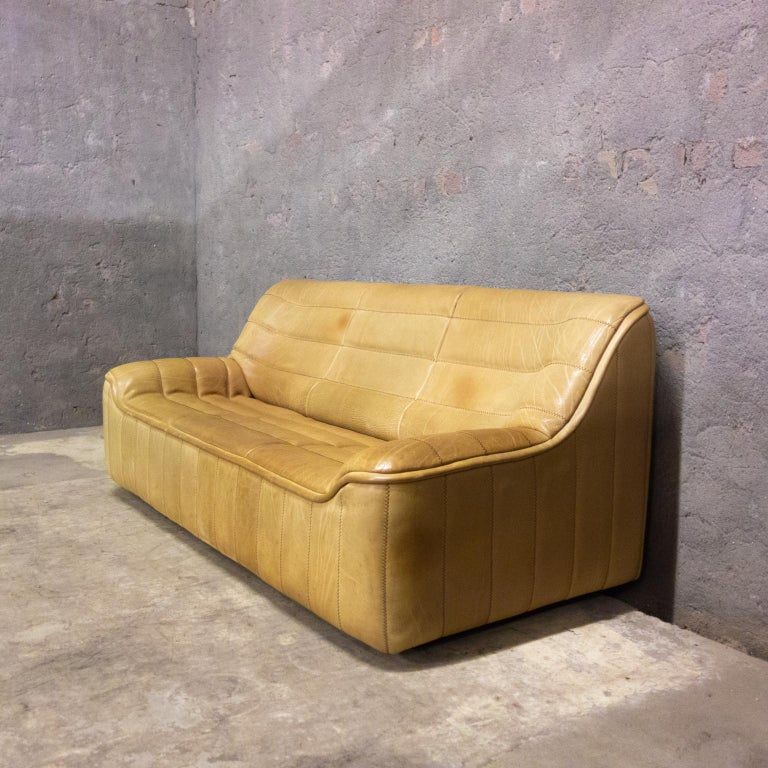 De Sede is made to last. This 3-seat sofa is in very good condition. The leather is all good and has a great patina. It's model DS84, this model gives you a great support in your lower back.