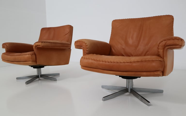 De Sede Swivel Lounge Armchair in Soft Cognac Aniline Leather, Model DS 35 In Good Condition For Sale In Almelo, NL