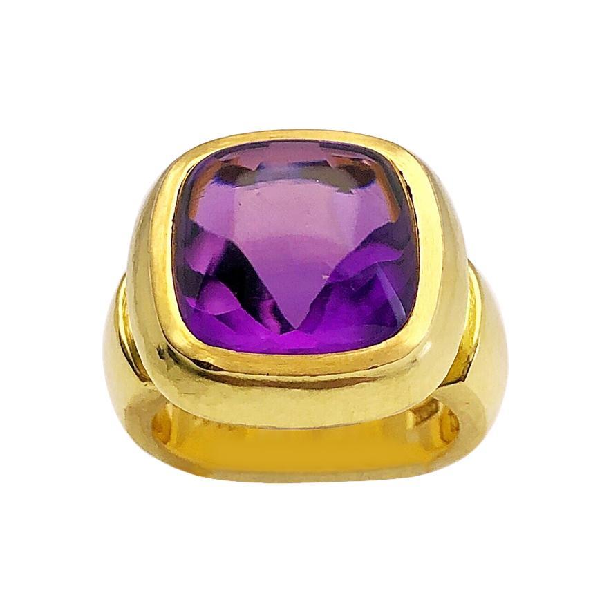 De Vroomen 18 Karat Yellow Gold and 10.10 Carat Amethyst Ring
