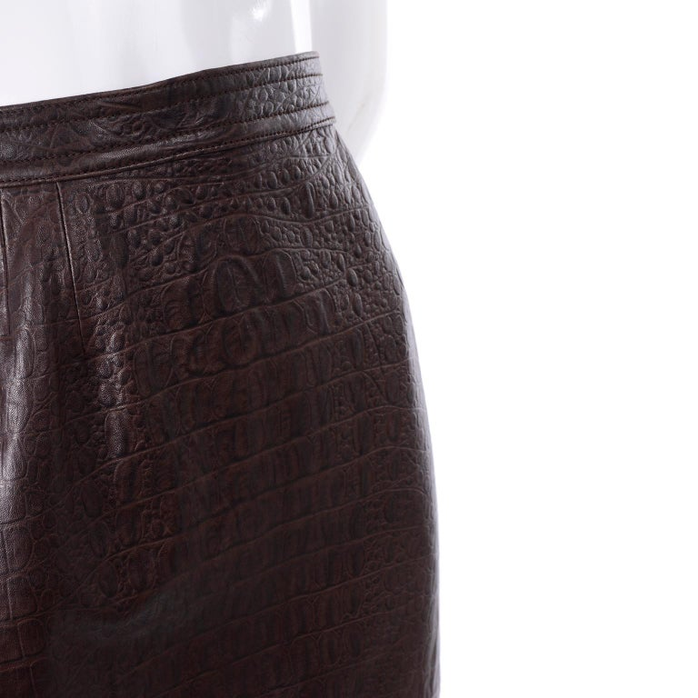 Deadstock Vintage New Valentino Alligator Print Embossed Leather Pencil Skirt  For Sale 5