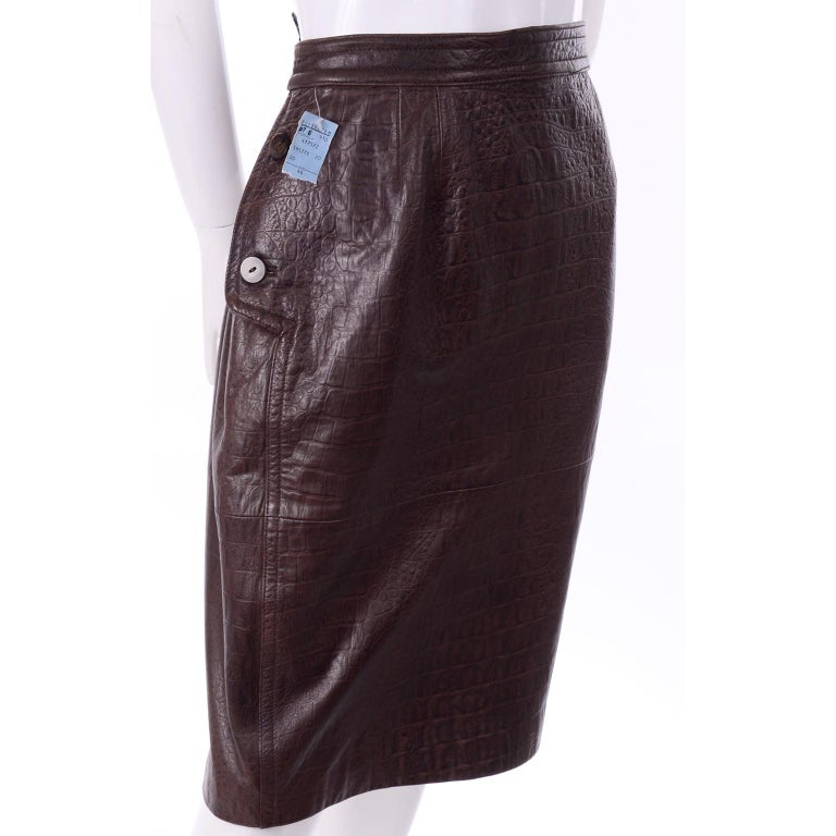 Deadstock Vintage New Valentino Alligator Print Embossed Leather Pencil Skirt  In New Condition For Sale In Portland, OR