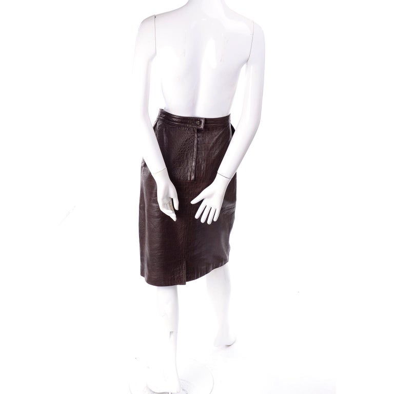 Deadstock Vintage New Valentino Alligator Print Embossed Leather Pencil Skirt  For Sale 3