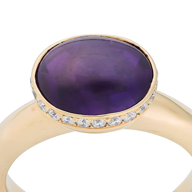 Contemporary Deakin & Francis 18 Karat Yellow Gold Amethyst Ring with Diamond Border For Sale