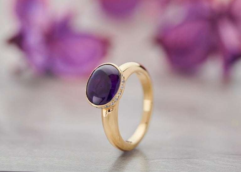 Round Cut Deakin & Francis 18 Karat Yellow Gold Amethyst Ring with Diamond Border For Sale
