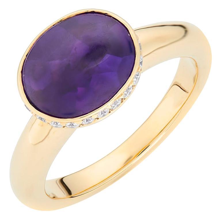 Deakin & Francis 18 Karat Yellow Gold Amethyst Ring with Diamond Border For Sale