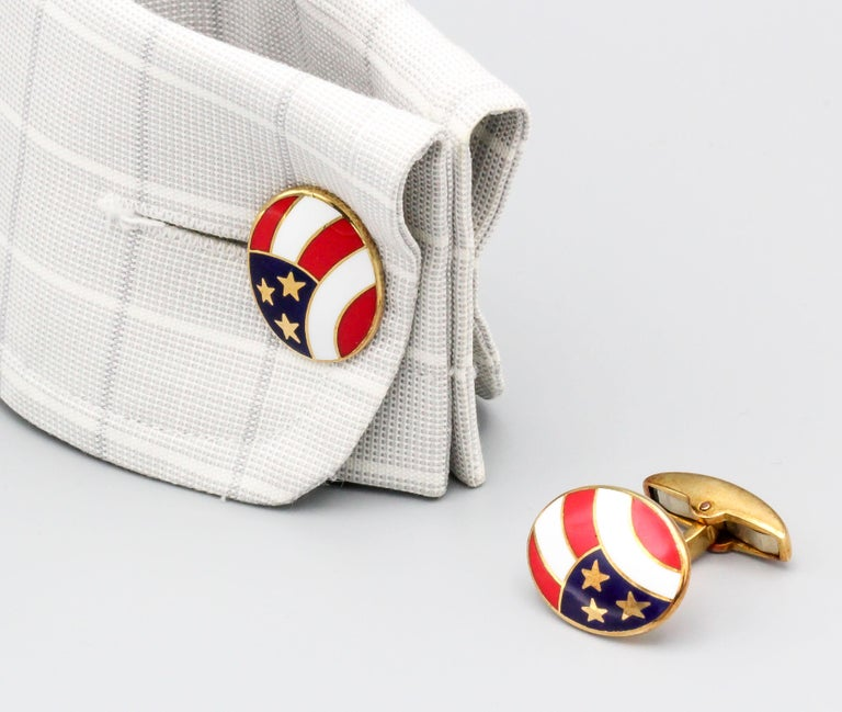 Deakin & Francis Enamel and 18 Karat Yellow Gold Stars and Stripes Cufflinks For Sale 1