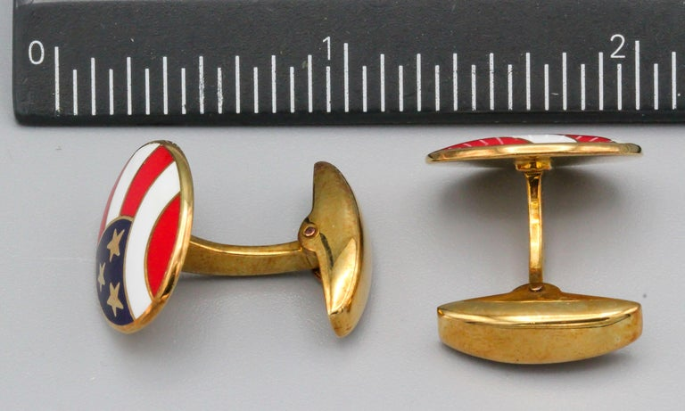 Deakin & Francis Enamel and 18 Karat Yellow Gold Stars and Stripes Cufflinks For Sale 2