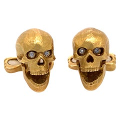 """Deakin & Francis"" Skull Design Gold and Diamond Cufflinks"