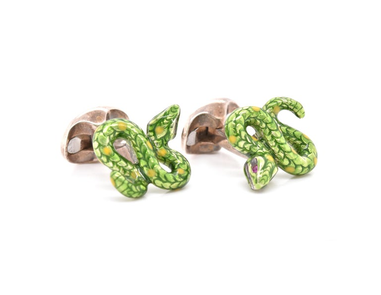 Material: Sterling Silver Dimensions: Snake measures 19.59 X 16.18mm Weight: 18.73 grams
