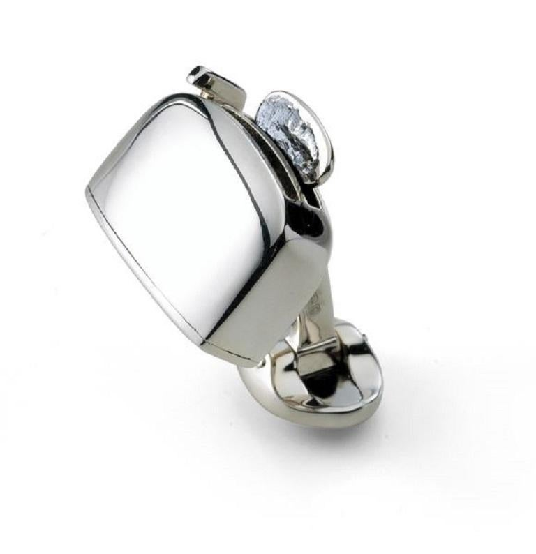 DEAKIN & FRANCIS, Piccadilly Arcade, London  These sterling silver toaster cufflinks come with a deliciously charming pop-up piece of toast, and a small domed oval spring link. For chefs, friends who stay too long at the weekend and amateur cooks