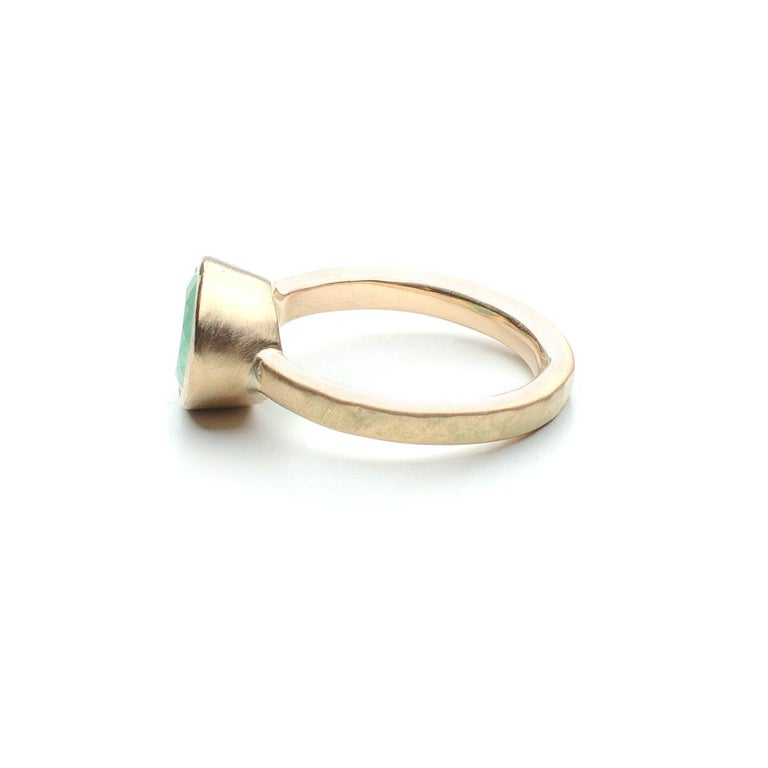 Oval Cut Deborah Murdoch 18 Karat Yellow Gold Oval 2.14ct Green Emerald Ring For Sale
