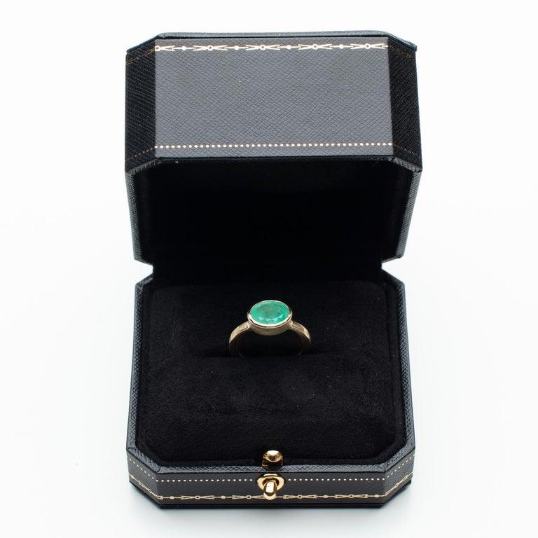 Deborah Murdoch 18 Karat Yellow Gold Oval 2.14ct Green Emerald Ring For Sale 1