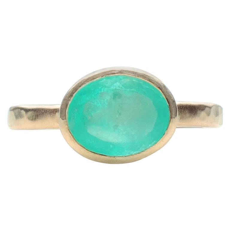 Deborah Murdoch 18 Karat Yellow Gold Oval 2.14ct Green Emerald Ring For Sale