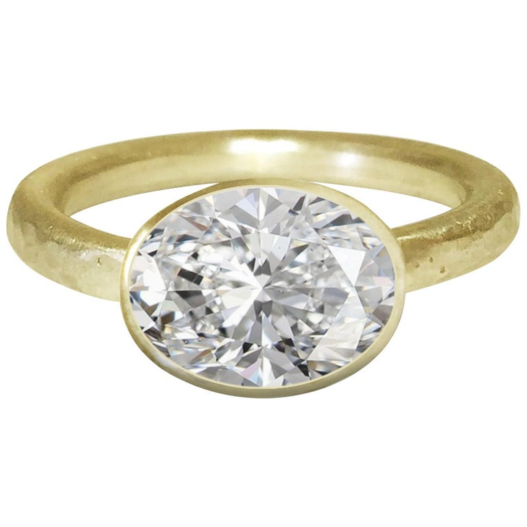 Deborah Murdoch 18 Karat Yellow Gold Oval 2.51 Carat Diamond Engagement Ring For Sale