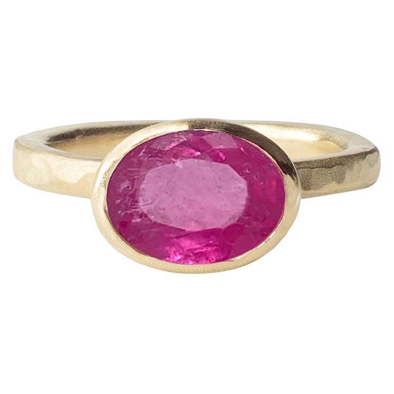 Deborah Murdoch 18 Karat Yellow Gold Oval 2.59ct Pink Tourmaline Cocktail Ring For Sale