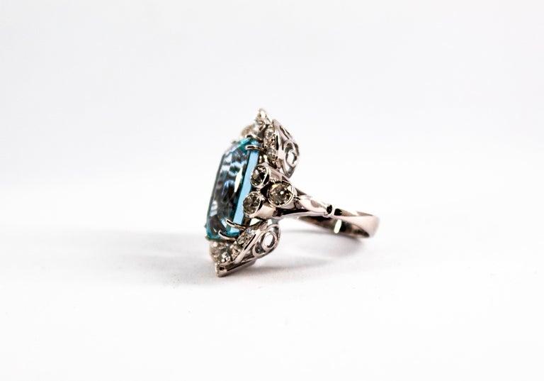 Women's or Men's Deco 12.60 Carat Aquamarine 2.90 Carat White Diamond White Gold Cocktail Ring For Sale