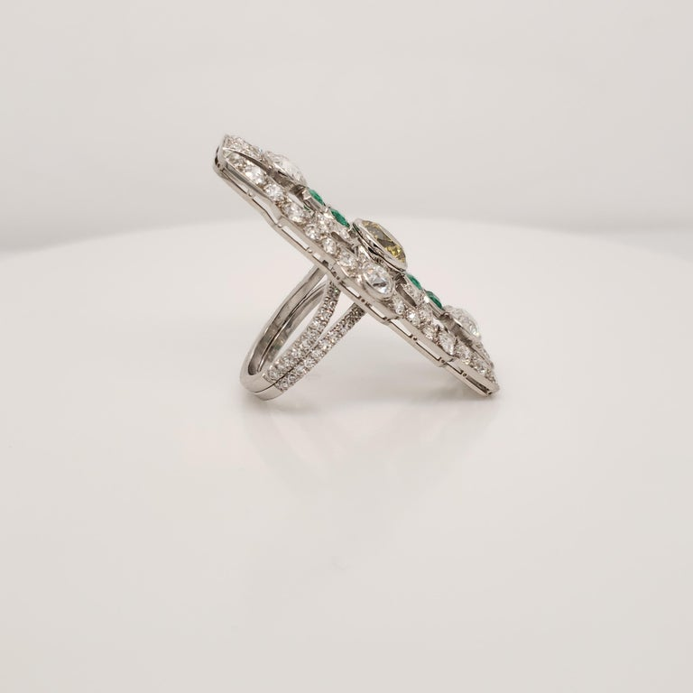 Art Deco Deco Fancy Deep Greenish Yellow Diamond and Emerald Cocktail Ring For Sale
