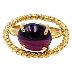 Deco Style 18 Karat Yellow Gold Handcrafted Garnet Design Ring