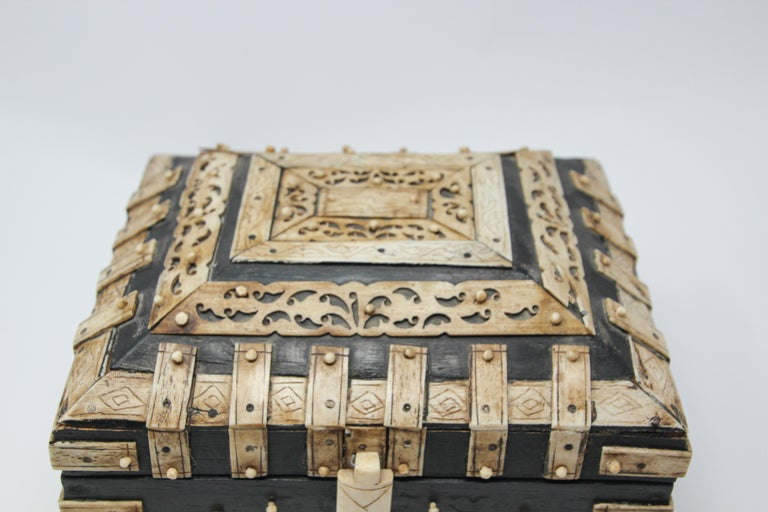 Decorative Anglo Indian Bone Overlay Footed Box For Sale At 1stdibs