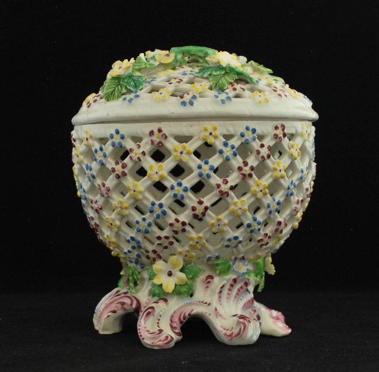 English Decorative Basket, Bow Porcelain Factory, circa 1760 For Sale
