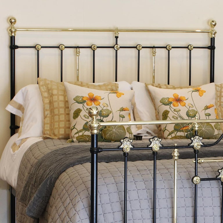 Victorian Decorative Black Antique Bed MK200 For Sale