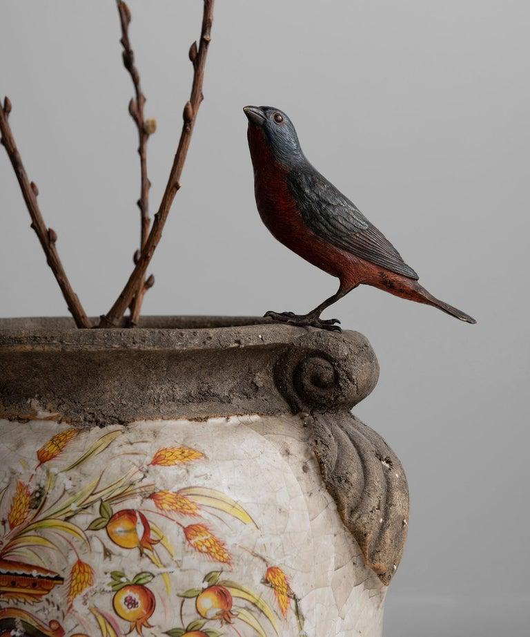 Decorative Italian Urn In Good Condition For Sale In Culver City, CA