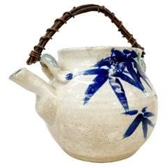 Decorative Modern Japanese Pottery Tea Pot Hand Decorated Cane Handle