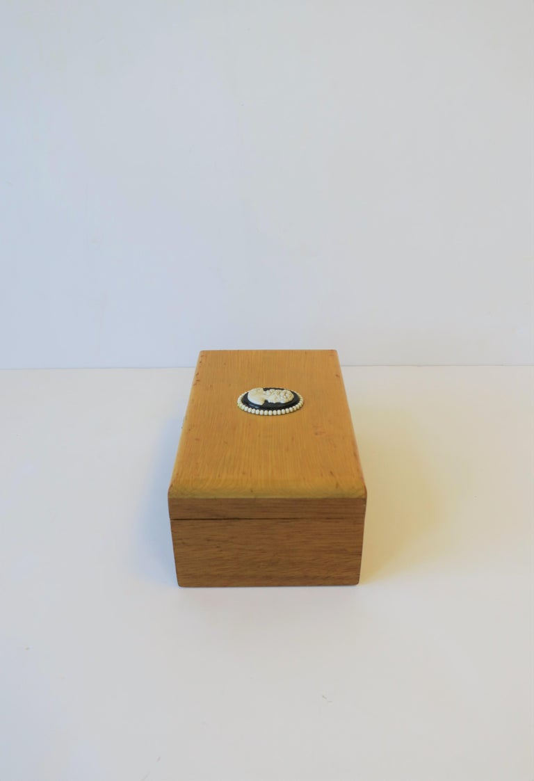 Decorative or Jewelry Box with Black and White Cameo Design For Sale 3