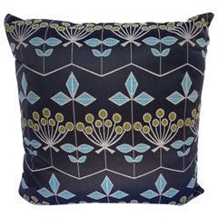 Decorative Pillow in Geometric Flower Pattern