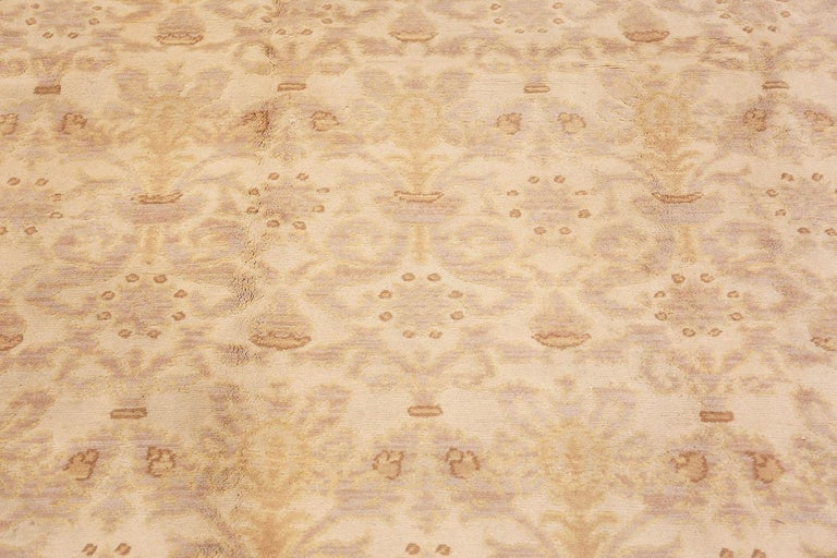 Decorative Room Size Antique Spanish Carpet. Size: 9 ft 3 in x 12 ft 3 in In Good Condition For Sale In New York, NY