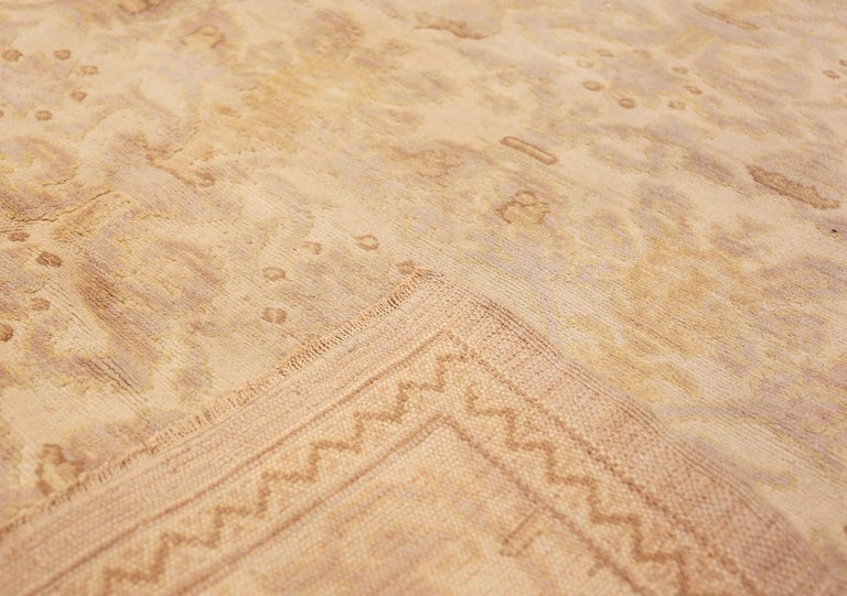 20th Century Decorative Room Size Antique Spanish Carpet. Size: 9 ft 3 in x 12 ft 3 in For Sale
