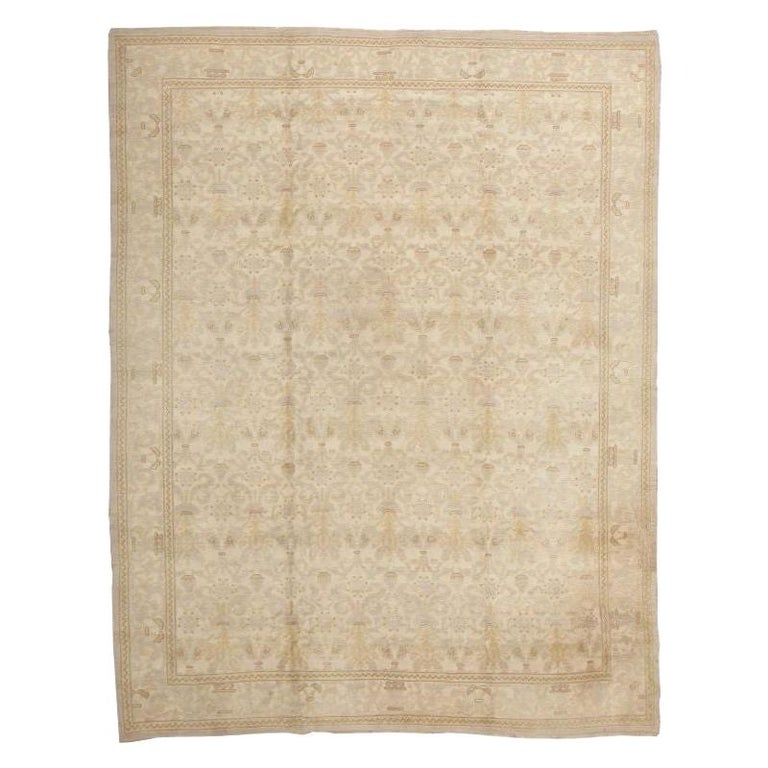 Decorative Room Size Antique Spanish Carpet. Size: 9 ft 3 in x 12 ft 3 in For Sale