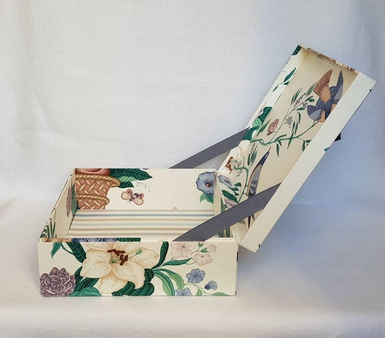 Decorative Storage Box for Scarves Schumacher Fabric Handmade in France For Sale 2
