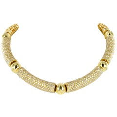 Decorative Yellow Gold Diamond Necklace