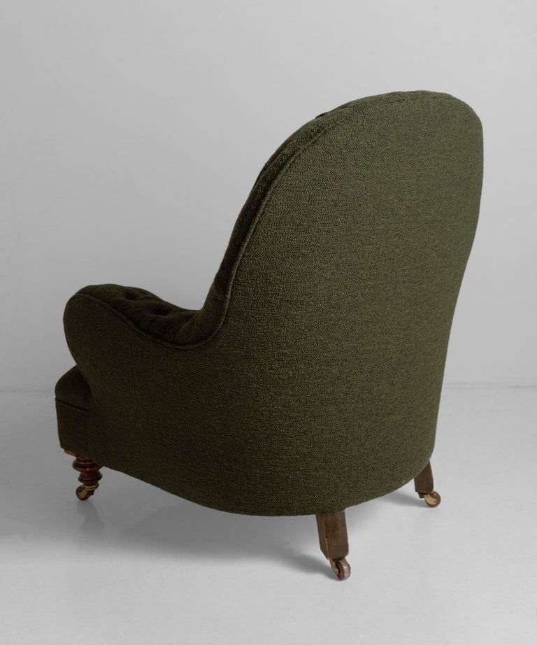 Deep Buttoned Armchairs, England, circa 1860 For Sale 2