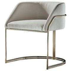 Déjà Vu Chair in Pop White Fabrics and Polished Brass Metal