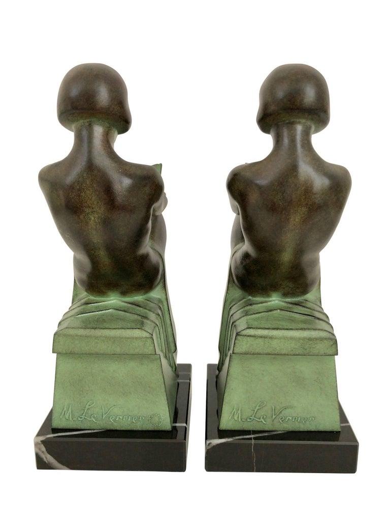 Delassement by Max Le Verrier Art Deco Style Bookends Sculptures Reading Ladies In Excellent Condition For Sale In Baden-Baden, DE