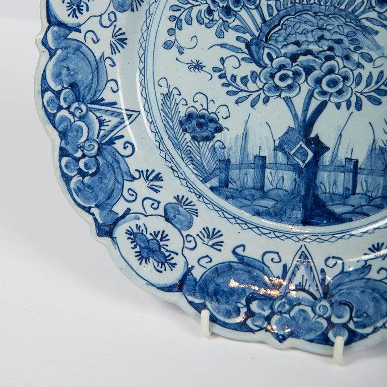 Hand-Painted Delft Blue and White Charger Hand Painted Made by De Bijl 'The Axe', circa 1770 For Sale