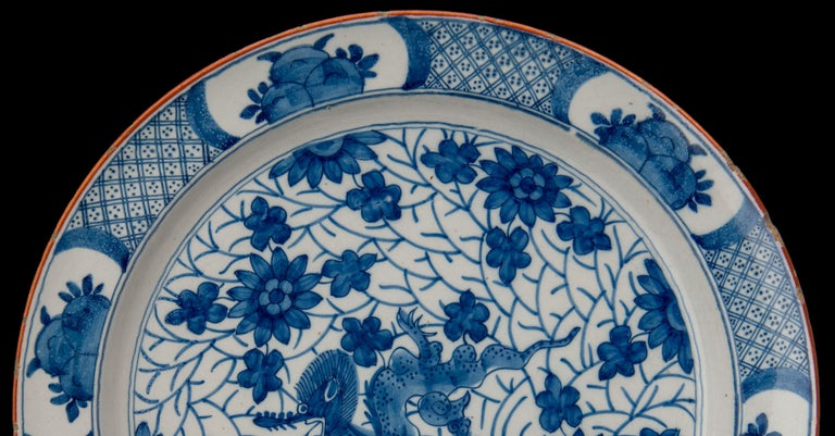 Delft, Blue and White Dragon Dish Mark AIK, Period J van der Kool '1722-1757' In Good Condition For Sale In Verviers, BE