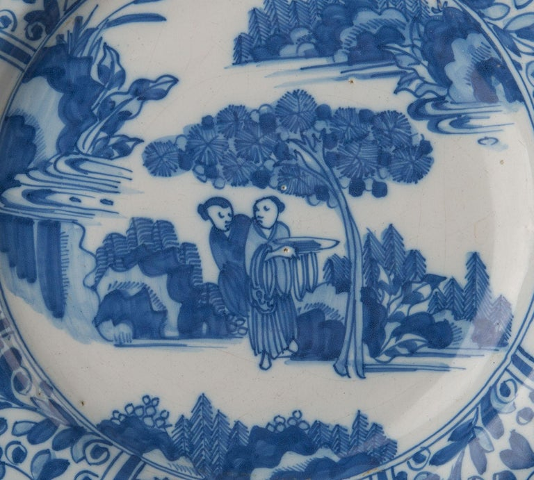 Delft, Large Blue and White Chinoiserie Dish, 1670 In Good Condition For Sale In Verviers, BE