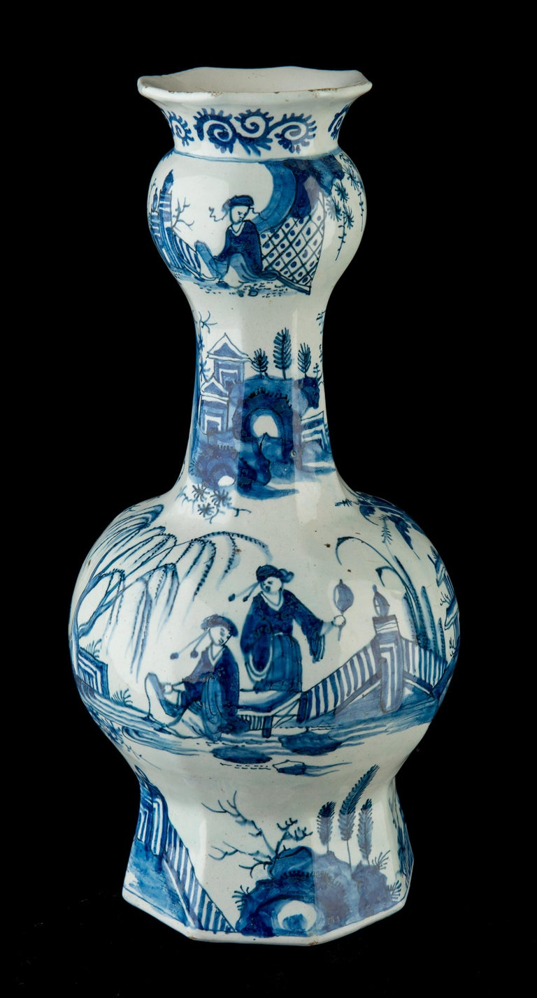 Ceramic Delft, Pair of Blue and White Garlic-Head Bottle Vases, circa 1700 For Sale