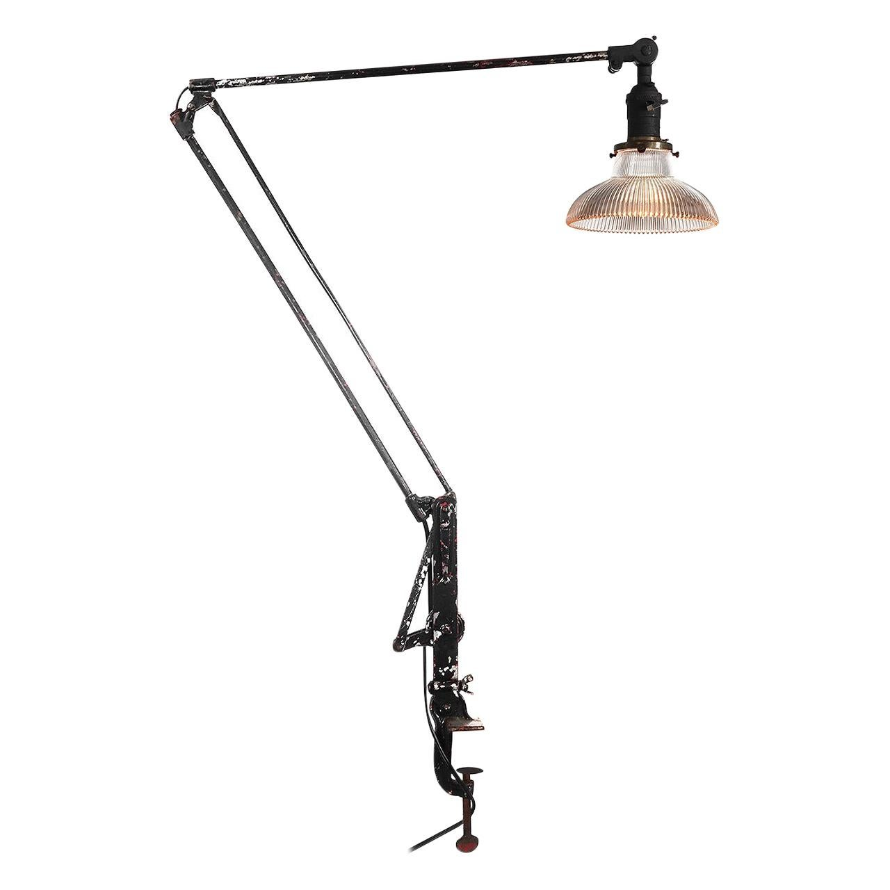 Delicate Industrial Articulated Table Lamp