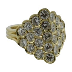 Delightful 18 Karat Diamond Ring in Yellow Gold