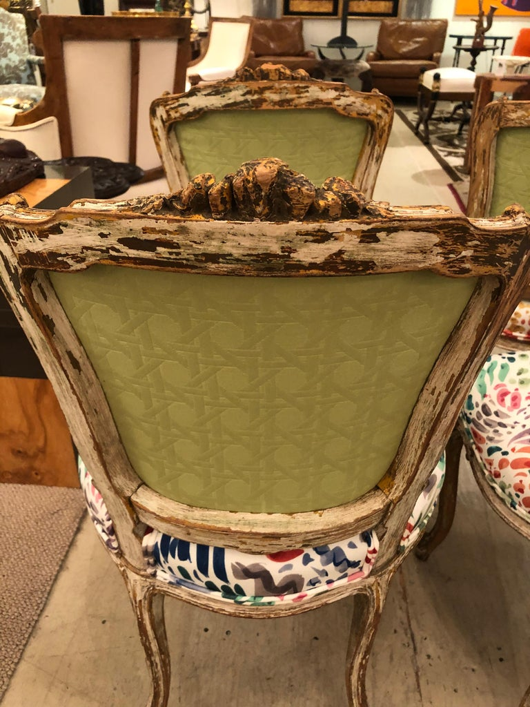 Delightful Updated Set of 4 Louis XVI French Painted Wood Dining Chairs For Sale 7