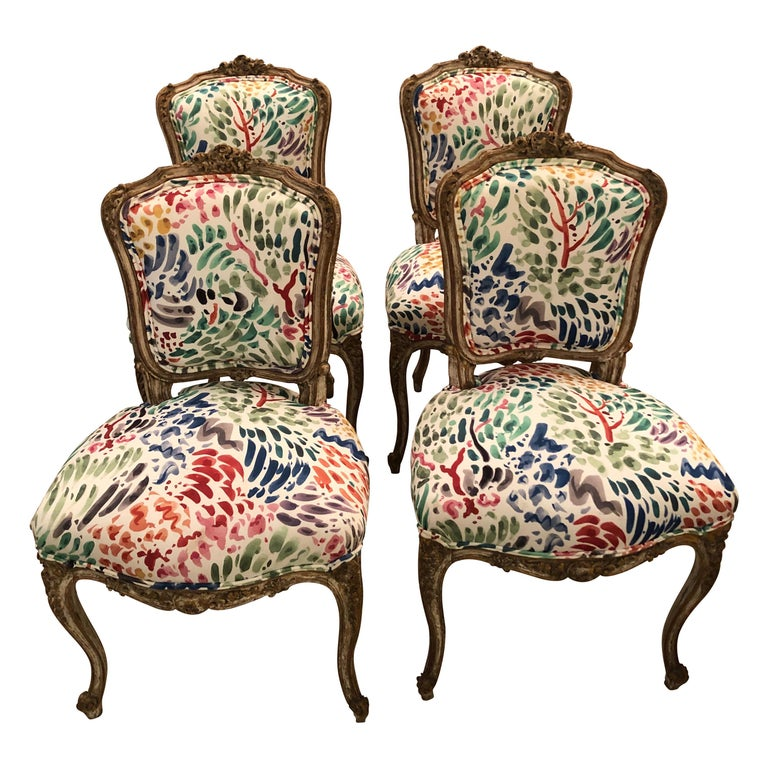 Delightful Updated Set of 4 Louis XVI French Painted Wood Dining Chairs For Sale