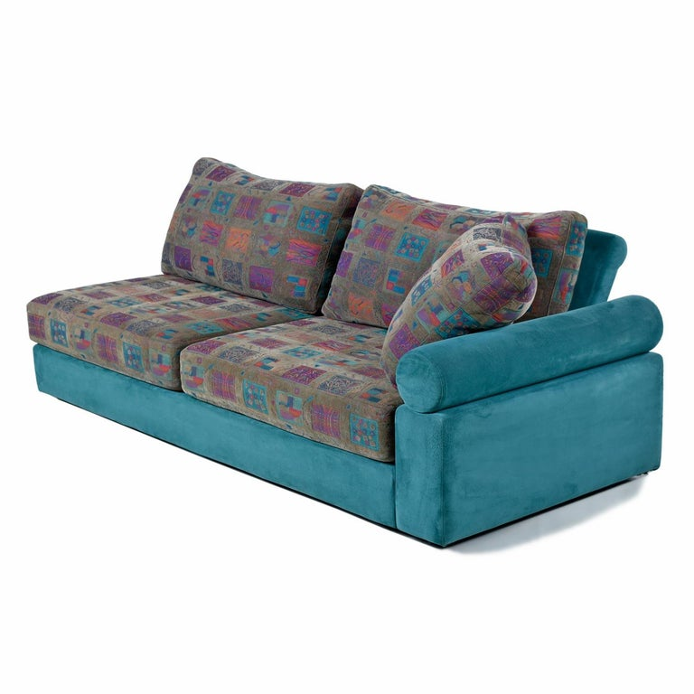 Outstanding quality is the distinction with this charming modern sectional and chaise by luxury brand, Dellarobbia. The sectional consists of five modules; (2) lounge chairs, (1) corner piece, (1) chaise, and (1) love seat with right facing arm.
