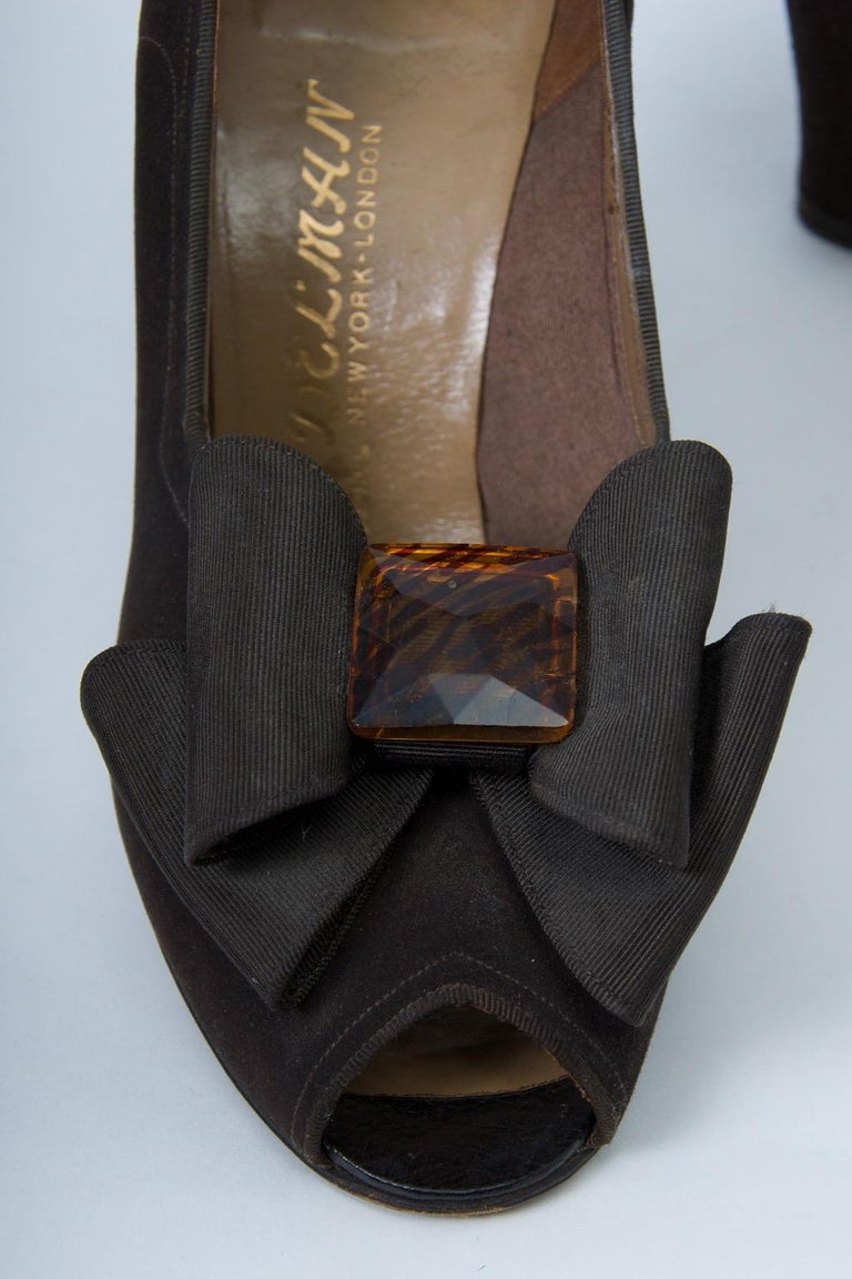 Delman Brown Suede Open-Toe Shoes, c.1950 In Good Condition For Sale In Alford, MA