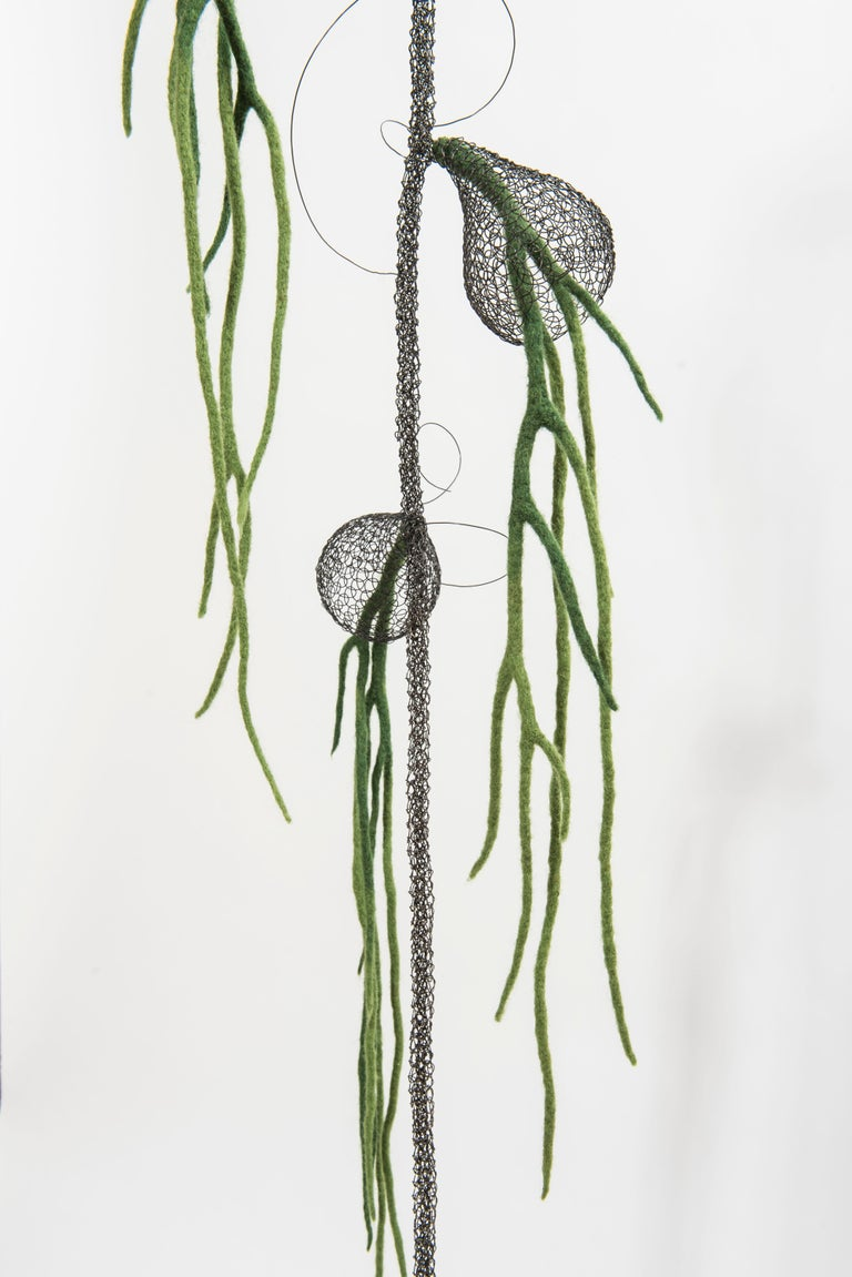 «Liane I», Handmade Metal Wire Mesh and Green Wool Pendant Mural Sculpture For Sale 2