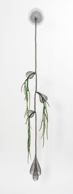 «Liane I », Handmade Metal Wire Mesh and Green Wool Pendant Mural Sculpture