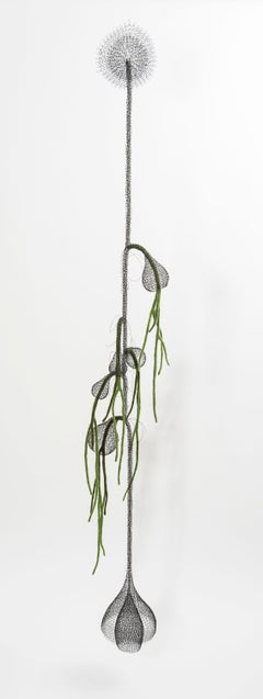 «Liane II », Handmade Metal Wire Mesh and Green Wool Pendant Mural Sculpture
